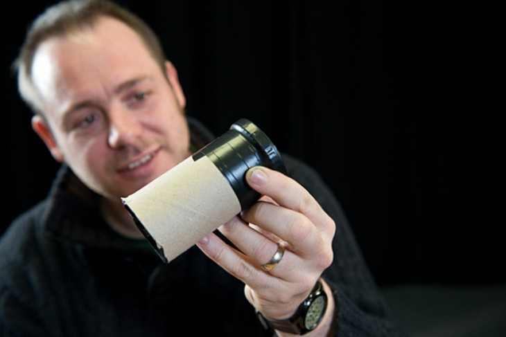Make a male lens with a roll of toilet paper