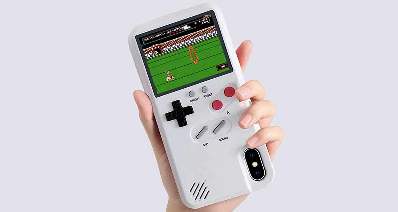 Game Boy Color Case - A Case With Built-In Retro Games!